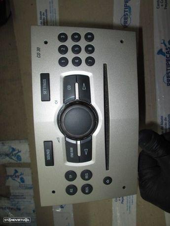 Rádio cd 13262382UZT OPEL / CORSA D / 2008 / DELPHI GRUNDIG / CD 30 /