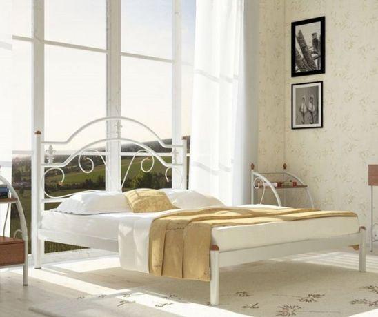 Кровать белая металлическая