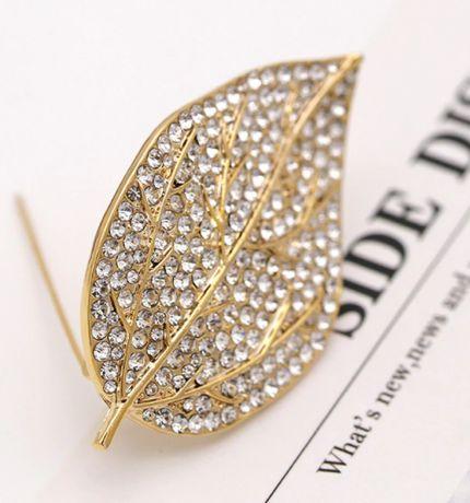 брошка брошь 5см офигенная лист золотистый металл кристаллы сваровски