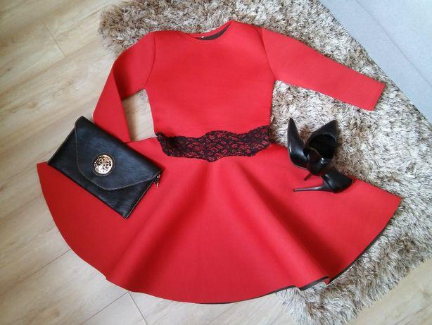 Czerwona rozkloszowana piankowa lekka sukienka koronka 36 S