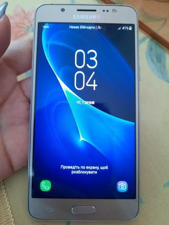 Смартфон Samsung J5 2016года