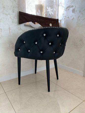 Krzesło tapicerowane pikowane glamour oparcie okrągłe do toaletki