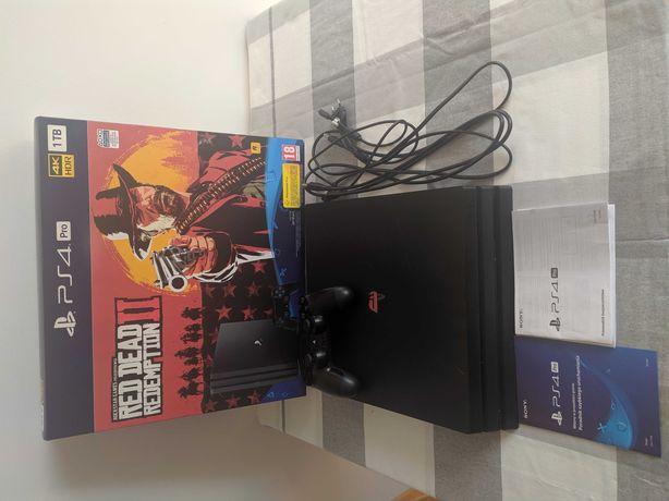 PlayStation 4 Pro 1TB + pad