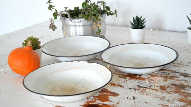 Emaliowane talerze 3 sztuki śr 24 cm BIAŁE