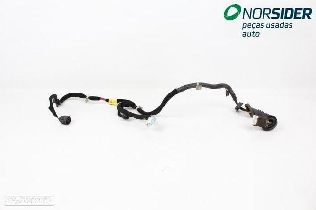 Instala electrica porta tr dir Kia Rio Break|02-06