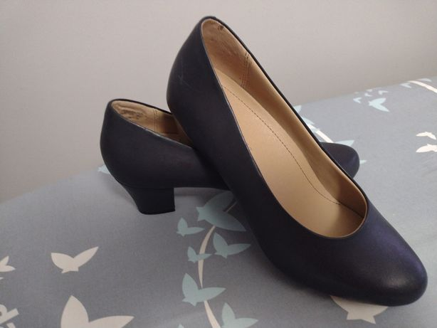 Nowe buty, skórzane czółenka firmy Hotter rozm.39