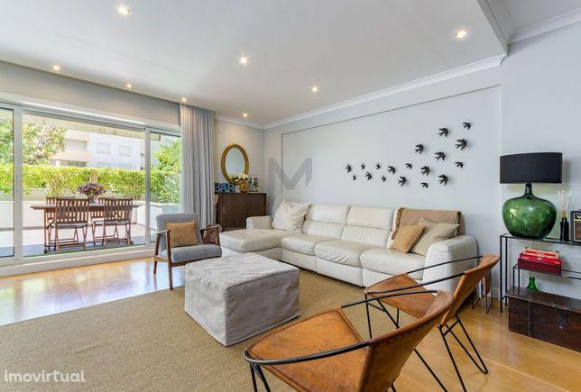 Apartamento T2 com dois terraços, em condomínio fechado, nos Jardins d