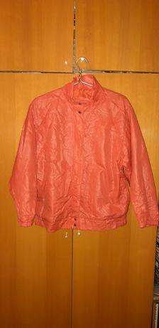 Курточка болоньевая с капюшоном размер 48-50