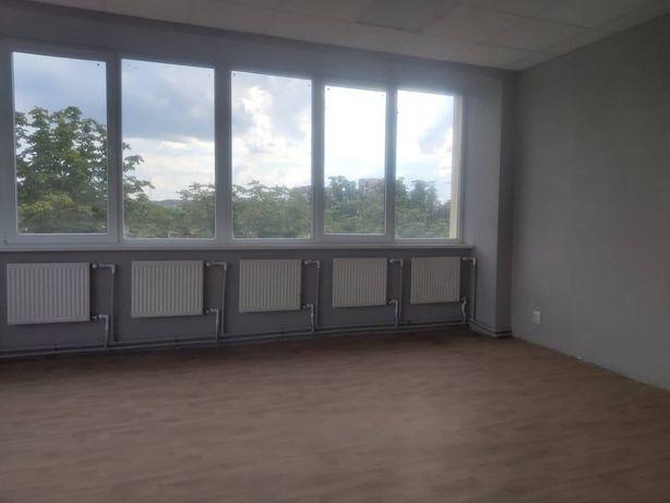 Офіс в оренду, 63 метрів, вул.Богдана Хмельницького, ремонт