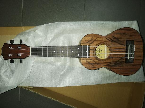 ukulele soprano elétrico decorado