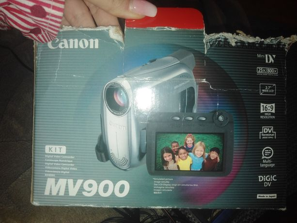 Kamera Canon  MV900