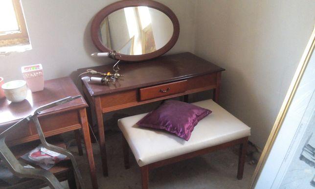 Toaletka, lustro owalne, stół z szufladą