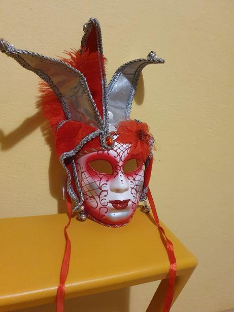Maski ozdobne na karnawał lub do dekoracji