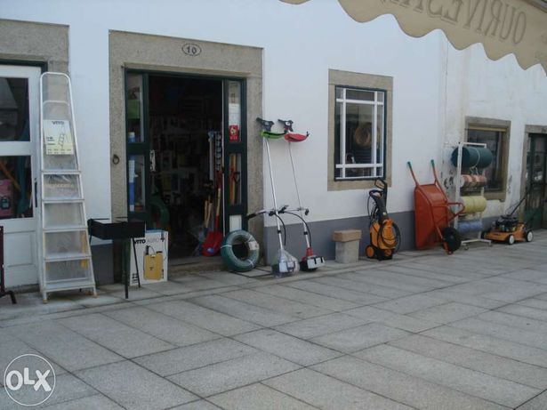 Trespassa-se loja de ferragens em Miranda do Douro