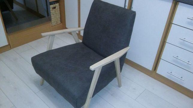 Fotel prl z podnóżkiem.biurko