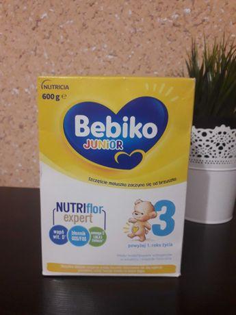 Sprzedam mleko Bebiko 3