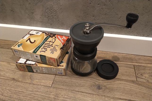 Młynek do kawy Hario Skerton Plus ceramiczne żarna ręczny