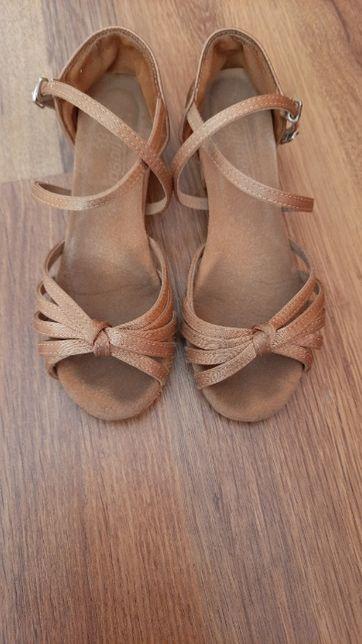 Buty do tańca latino 32