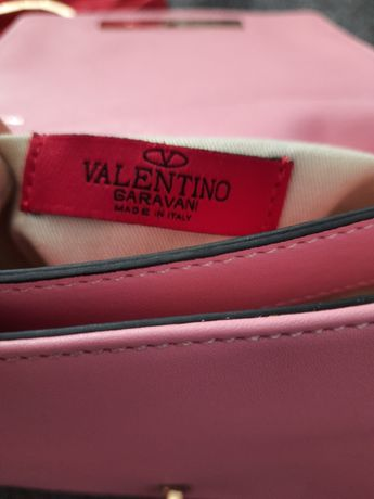 люкс сумка valentino garavani, c дорогущей фурнитурой на ручке
