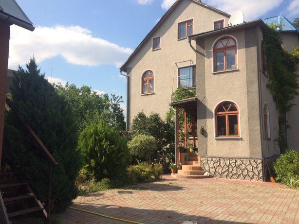 Продається будинок, заг.пл. 399 кв.м (с. Романков, Обухівський р-н)