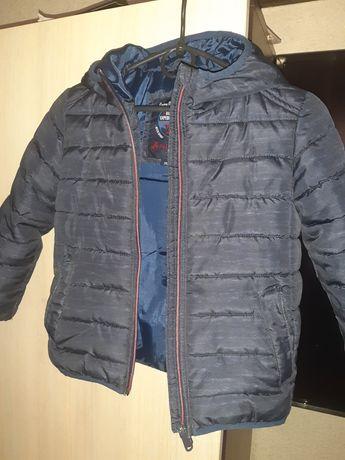 Классную фирменную курточку