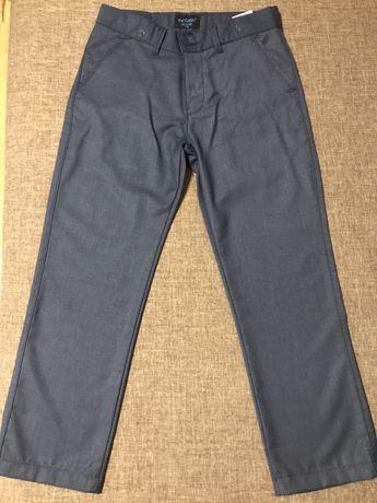 Продам брюки для мальчика 9-10 лет в идеальном состоянии