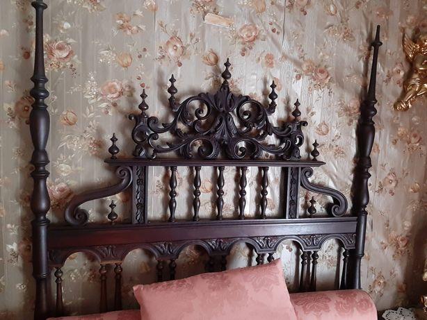 Mobilia de quarto antiga