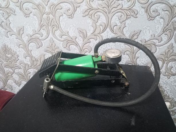 Продам ножной насос (компрессор)