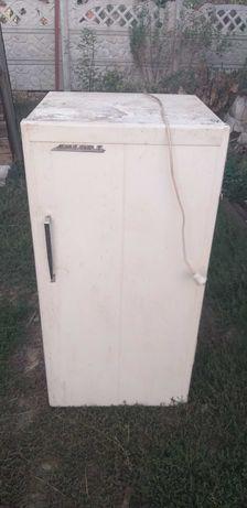 Продам холодильник Днепр 2
