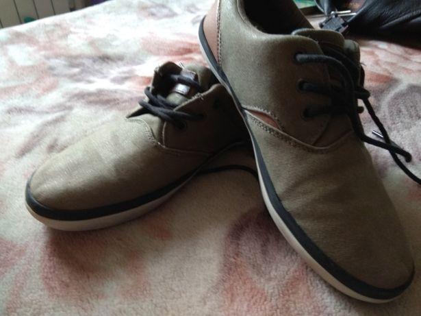 Кеди, туфли, макасини