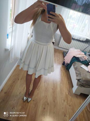 Sprzedam sukienkę r.42