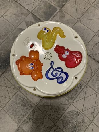 Музыкальный барабан музыкальная игрушка chicco