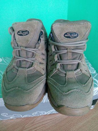 Трекинговые кроссовки ботинки берцы