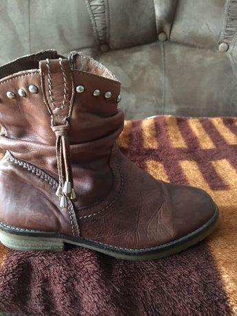 Шкяряні чобітки для дівчинки 34 розмір