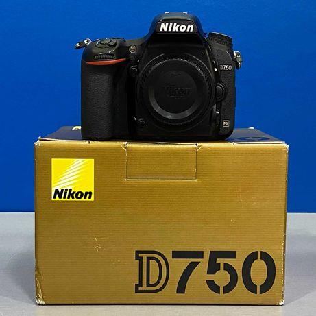 Nikon D750 (Corpo) - 24.3MP