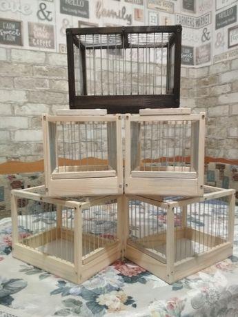 Деревянные клетки для птиц и переноска