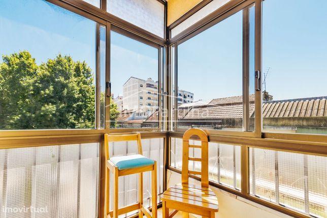 Negociável - Apartamento T3 Agualva (Sintra) - A 10 minutos da estação