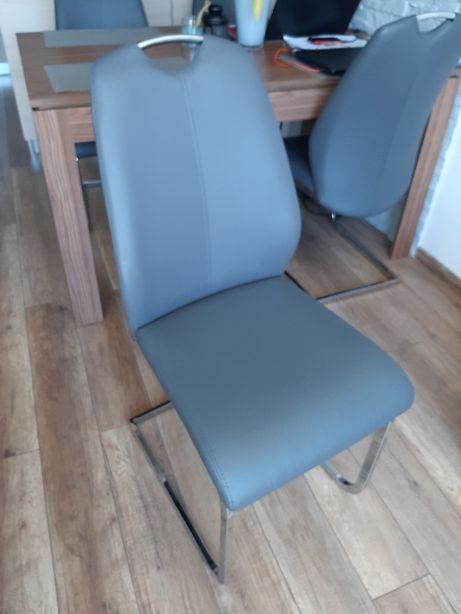 Krzesła cena za komplet