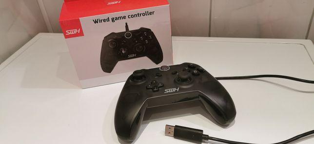 Pad do Nintendo switch oraz PC USB przewodowy.