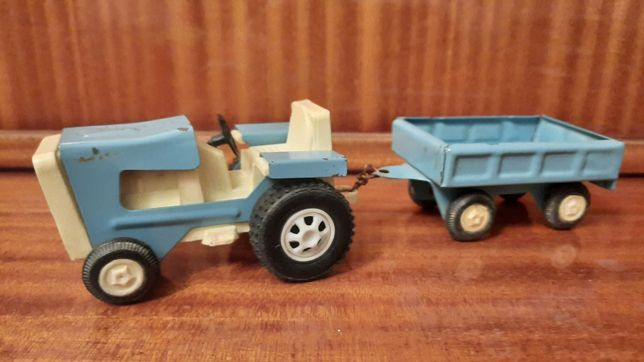 Zabawka metalowa traktor ciągnik PRL