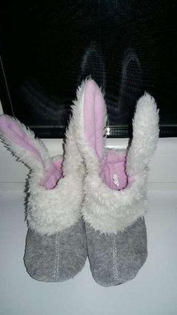 Тапки сапожки зайцы с ушками 15 см.