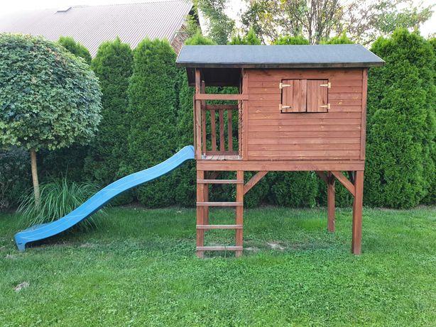 Domek dla dzieci Blooma ze zjeżdżalnią