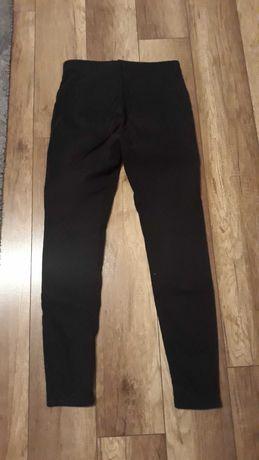 Czarne spodnie Sinsay rozmiar M