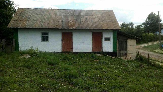 Продам жилой домик в деревне с земельным участком.