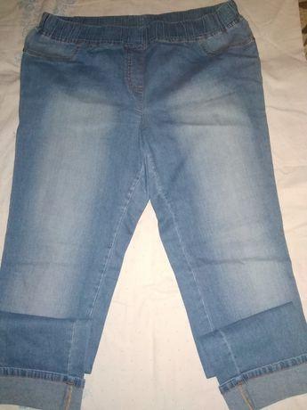 Женские джинсы.