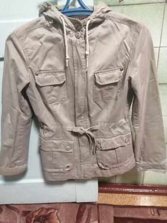 Куртки осінь 44 розмір