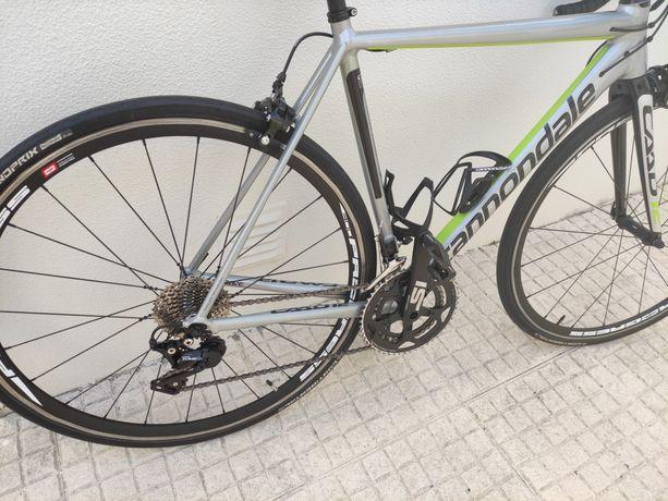 Bicicleta Estrada Cannondale Caad 12 105