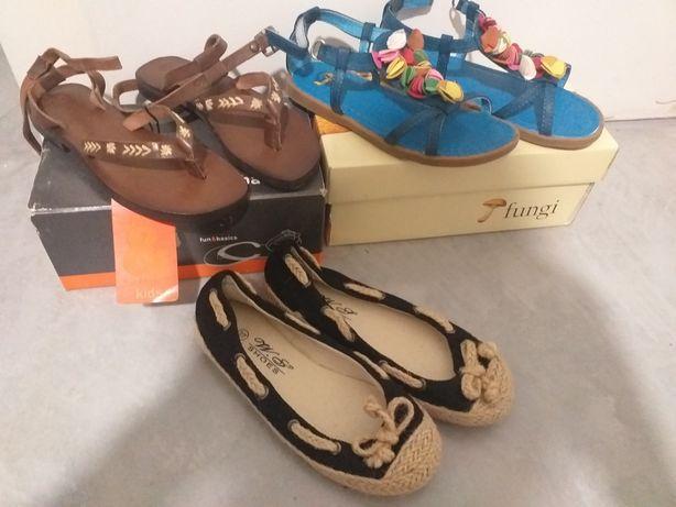 2 sandálias e 1 sabrinas menina 27