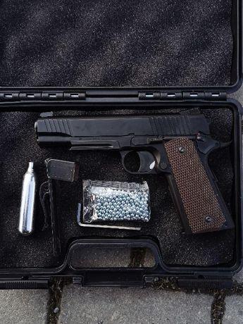 Страйкбольний пістолет Colt 1911 + кулі та балон в подарунок