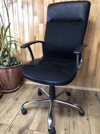 Продам крісло